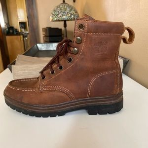 authentic Women's Timberland boots size 5